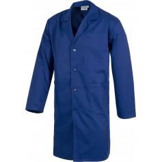 Bata de caballero con cierre de botones, un bolso de pecho y 2 laterales.B7100