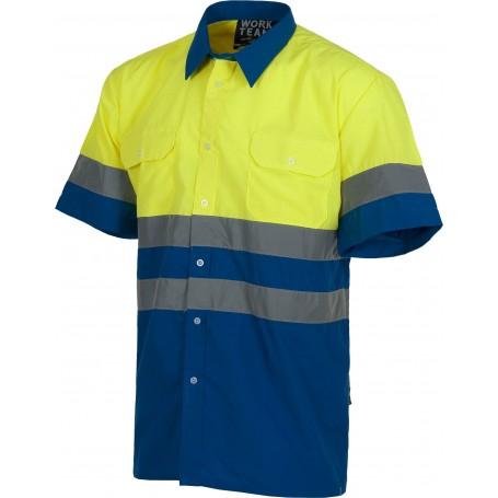 Camisa manga corta combinada con 2 bolsos de pecho y con cintas reflectantes.C3812