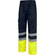 Pantalón bicolor, con dos cintas de alta visibilidad y cintura elástica.C4014