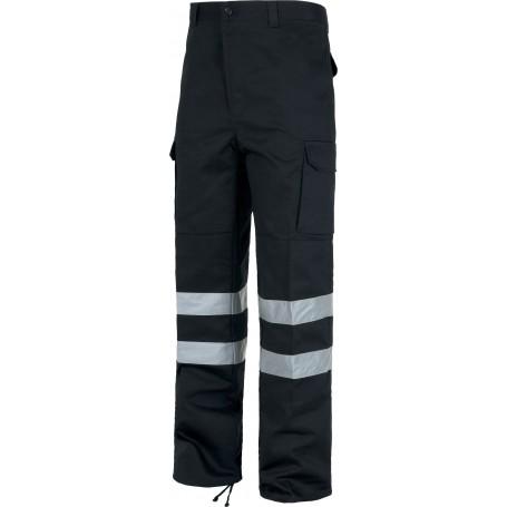 Pantalón sin elástico con refuerzos, multibolsillos y 2 cintas reflectantes.C4016