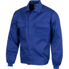 Cazadora con cierre de botones, cintura elástica y dos bolsos de pecho.B1103